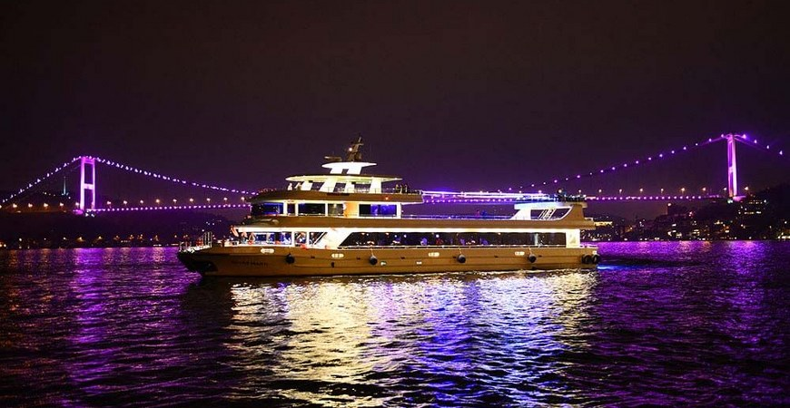 Istanbul New Years Eve Dinner Cruise on the Bosphorus